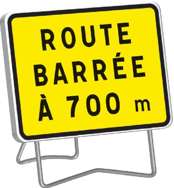 KC1 Route barrée à 700 m