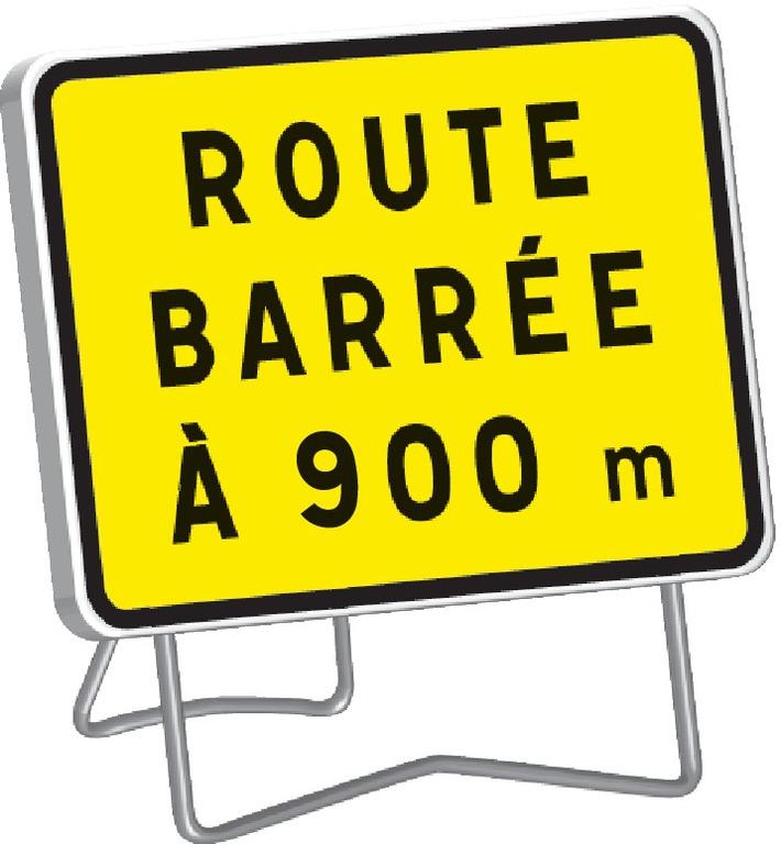 KC1 Route barrée à 900 m