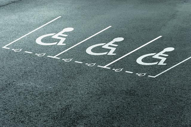 Pochoirs PMR pour marquage parkings