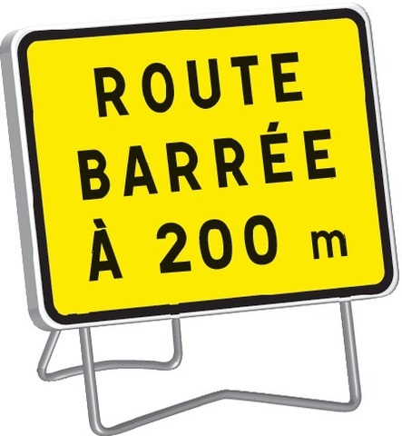 KC1 Route barrée à 200 m